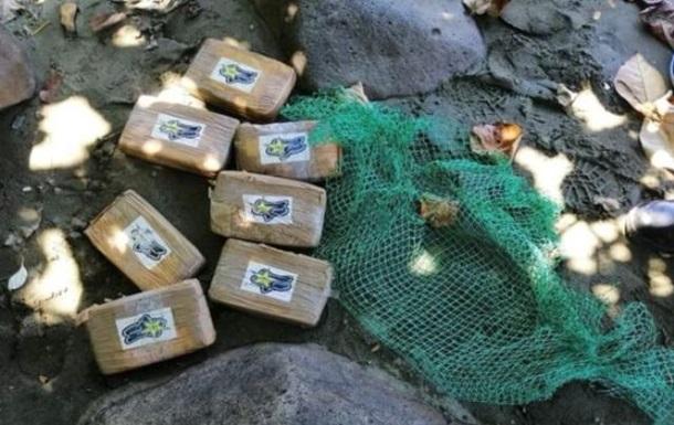 На филиппинском пляже нашли брикеты с кокаином