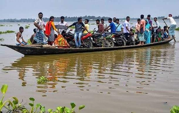 В Індії понад 60 тисяч людей постраждали від повені
