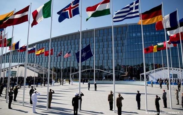 У Брюсселі НАТО попрощалося зі старою штаб-квартирою