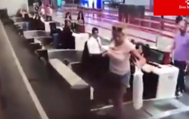 Пассажирка пыталась попасть в самолет по багажной ленте