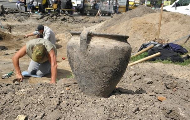 У центрі Чернігова знайшли стародавні артефакти