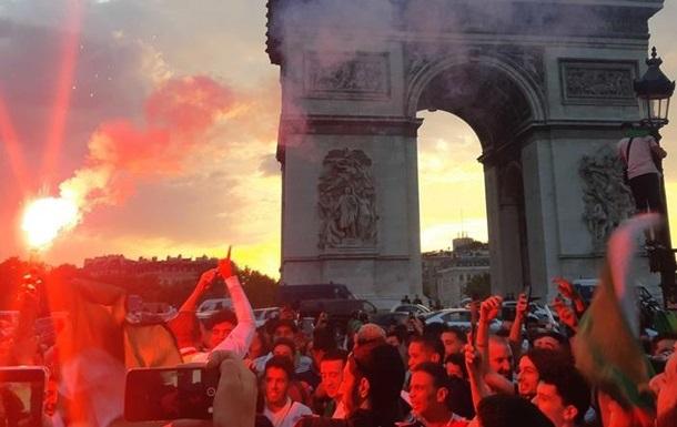 Футбольные фанаты устроили погром в Париже