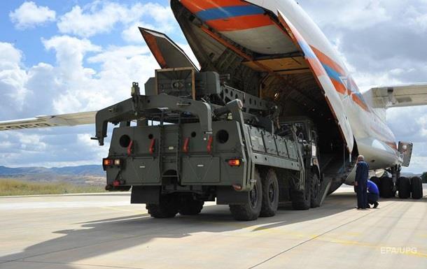 У Туреччину прибули С-400. США хочуть забрати F-35