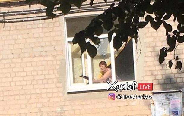 В Харькове пенсионерка угрожала детям автоматом - соцсети