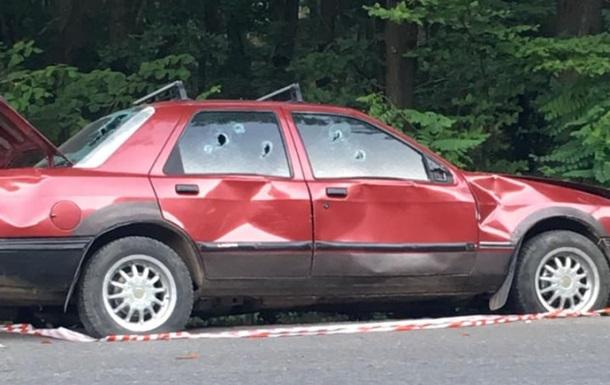 На Закарпатье обнаружили автомобиль с пулевыми отверстиями - СМИ