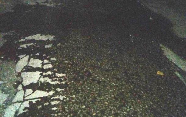 На дорогу вылилось около 80 литров химикатов в Запорожской области