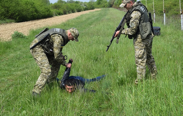 На Волыни пограничники стреляли в контрабандиста