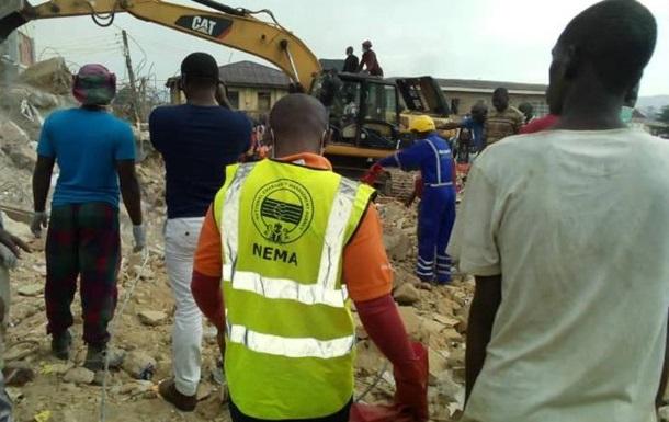 У Нігерії 12 людей загинули в результаті обвалення будівлі