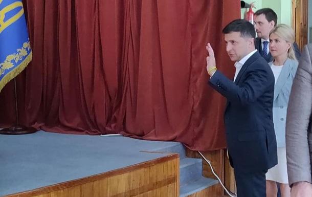Зеленский в Харькове пригрозил силовикам