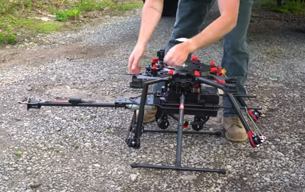 В Сеть попало видео с испытаниями дрона-огнемета