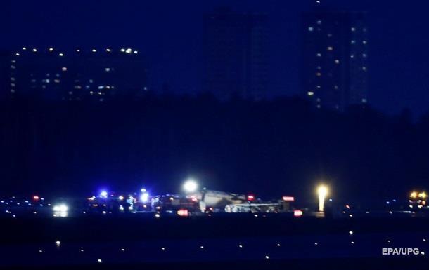 Названа вероятная причина задымления самолета в Москве