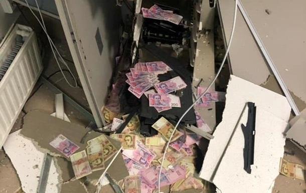 Підрив банкомату в Дніпропетровській області потрапив на відео