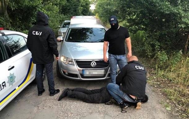 В Винницкой области задержали патрульных за 50 взяток