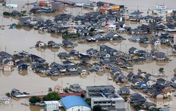 У Японії через зливи евакуюють тисячі людей