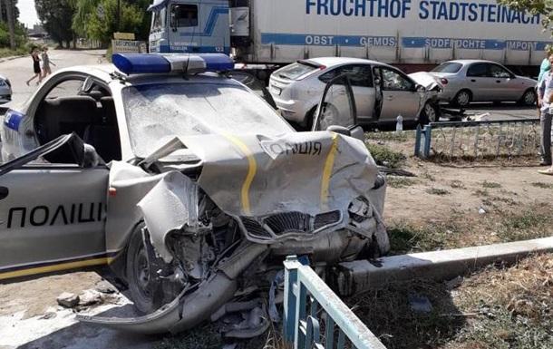 На Харьковщине полицейские попали в ДТП: двое в тяжелом состоянии