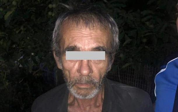 На Дніпропетровщині старий всю ніч ґвалтував прийомну онуку