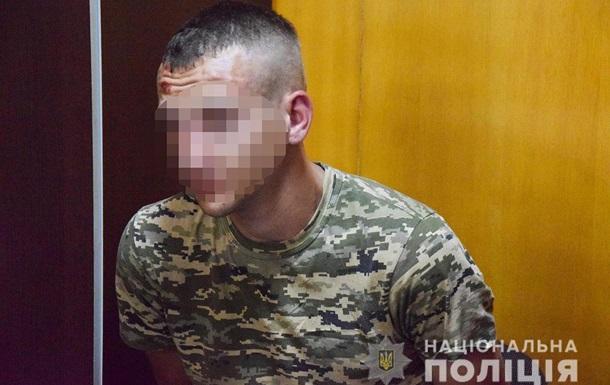 В Николаеве военный на мопеде грабил женщин