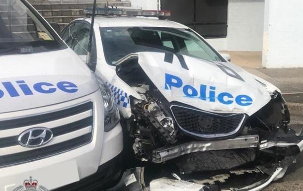 В Австралії водій з наркотиками на $140 млн протаранив копів