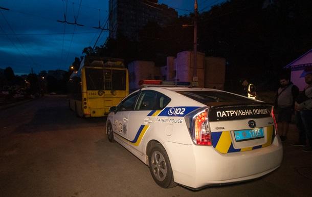 У Києві у водія нічного тролейбуса поліція забрала права