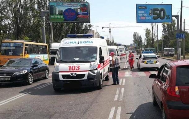 Машина  скорой  сбила мужчину на пешеходном переходе в Одессе