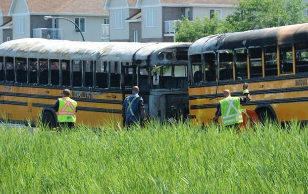 В Канаде два автобуса с детьми попали в аварию