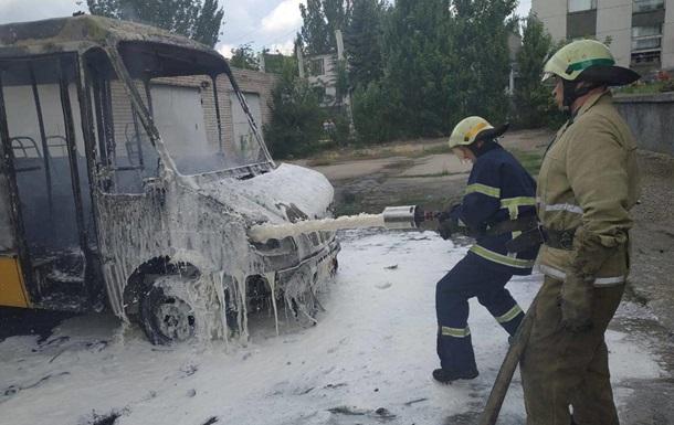 В Днепропетровской области сгорела маршрутка