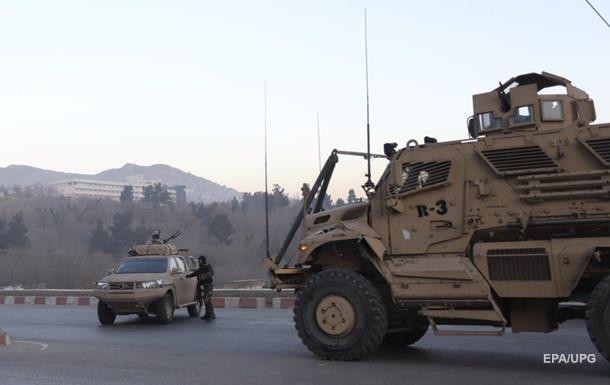 Автомобіль НАТО підірвався в Кабулі - ЗМІ