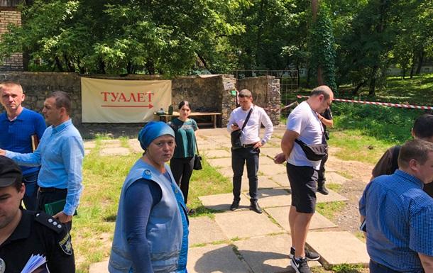 У громадському туалеті Києва знайшли тіло касира