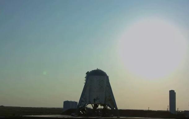 Прототип нового корабля SpaceX совершил первый взлет