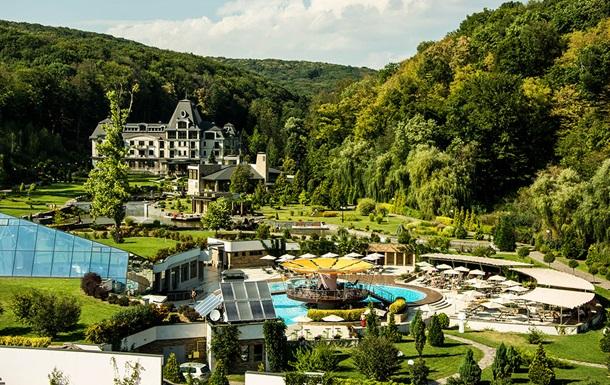 Пэрис Хилтон хочет купить курорт на Закарпатье