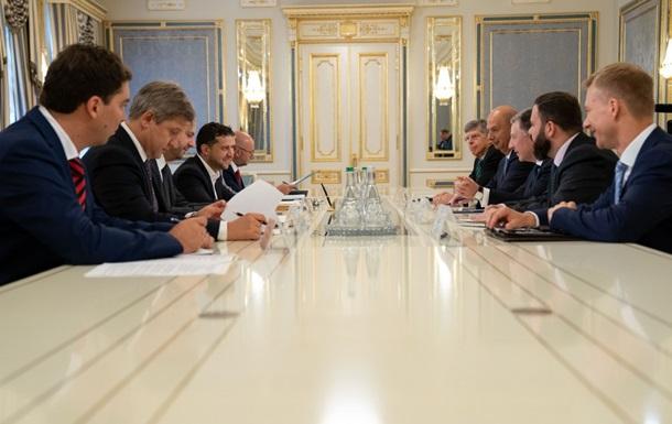 Зеленский и Волкер обсудили Донбасс
