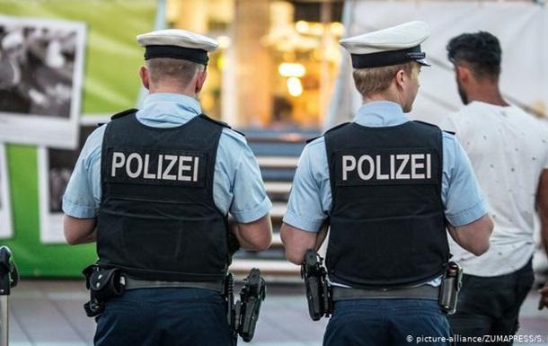 В Германии подростки штурмовали полицейский участок