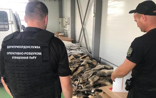 На Волыни обнаружили масштабную контрабанду меха и техники
