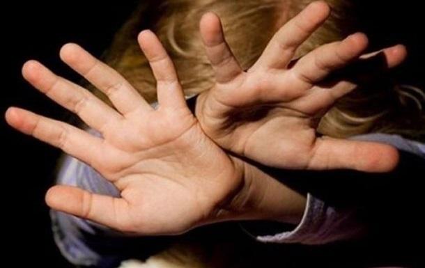 В Сумской области мужчина изнасиловал 8-летнюю падчерицу