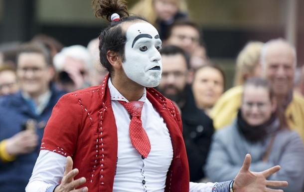 Клоун спровоцировал массовую драку на круизном судне