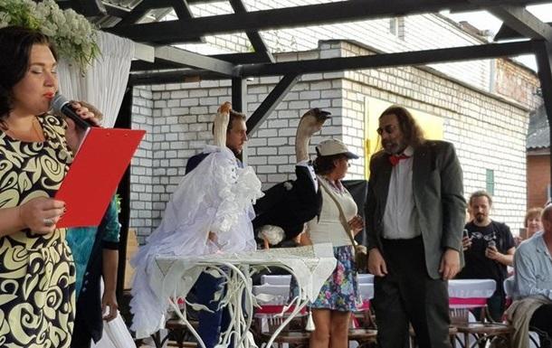 В Минске вопреки запрету властей сыграли свадьбу двух гусей