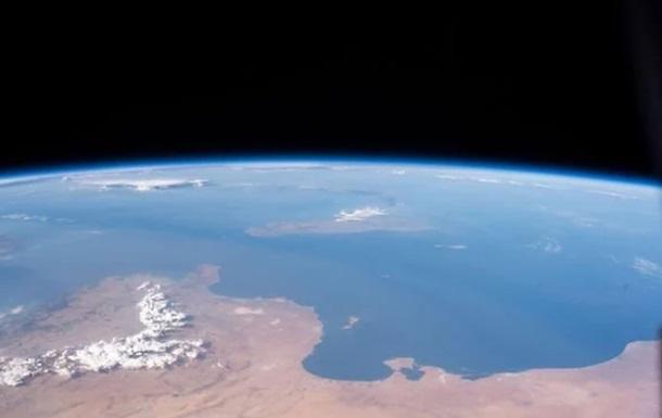 NASA показало зрелищные космические фото Земли