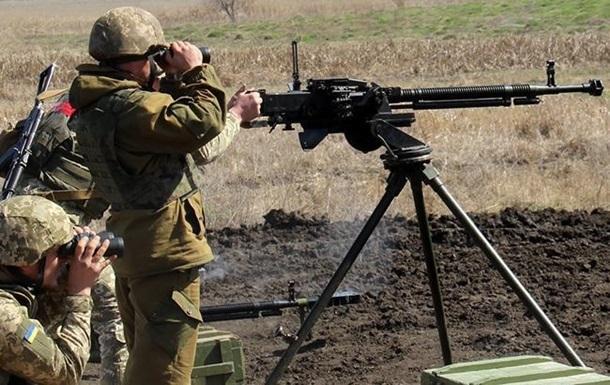 Перемирие на Донбассе: обстрелов все больше