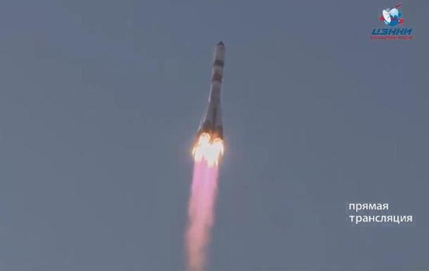 Россия запустила ракету Союз с грузом для МКС