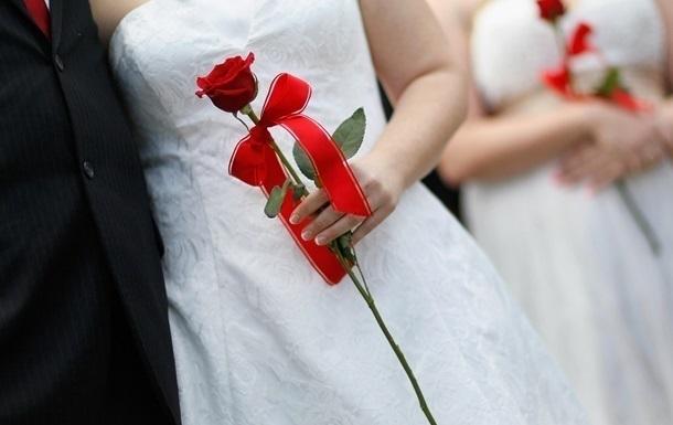 Українці одружуються уп ятеро частіше, ніж розлучаються