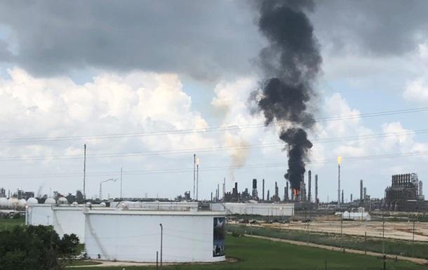 У Техасі на заводі Exxon Mobil сталася пожежа