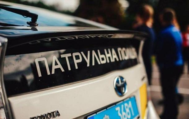 В Житомире водитель протащил патрульного по асфальту с зажатой рукой