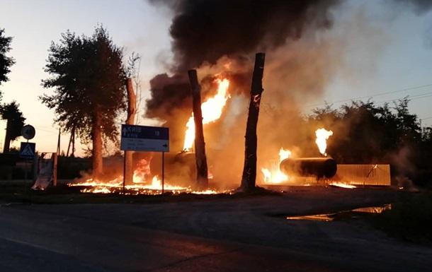Под Киевом сгорела АЗС, один человек получил ожоги