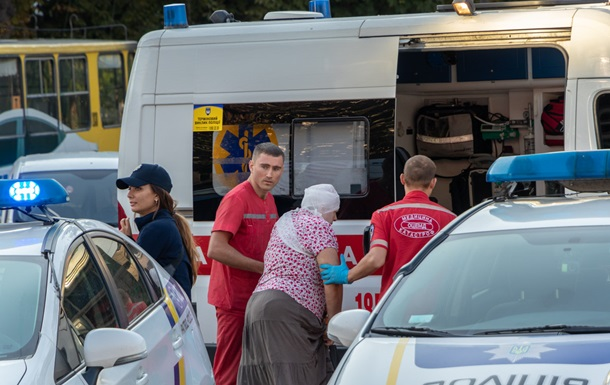 В центре Днепра пьяный водитель влетел в маршрутку с пассажирами
