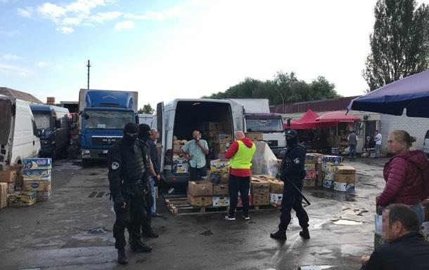 В Киеве инфицированные нелегалы торговали продуктами питания