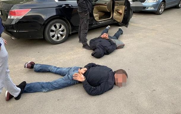 Под Киевом из супермаркета украли iBox с деньгами