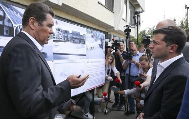 Зеленський домовився про ремонт аеропорту Івано-Франківська