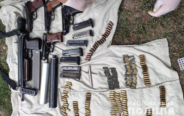 На Полтавщині затримали групу торговців зброєю
