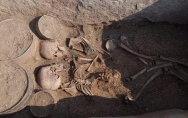 В Казахстане археологи обнаружили пару, которую захоронили 4000 лет назад