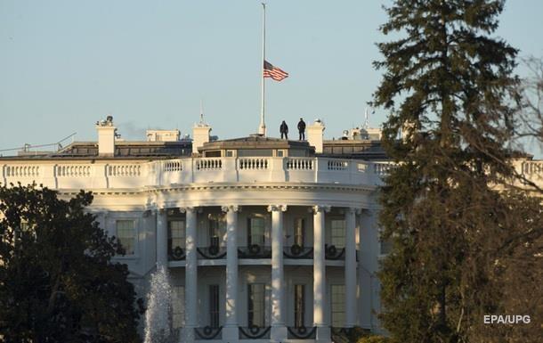 Трамп доручив приспустити прапори у зв язку зі стріляниною в США